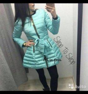 Стильная тонкая курточка