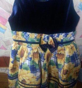 Платье нарядное с подсолнухами бархат