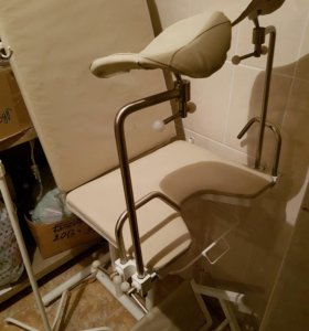Удобное гинекологическое кресло новое