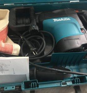 Перфоратор Макита HR 4501С