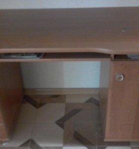 Стол компьютерный 1'40