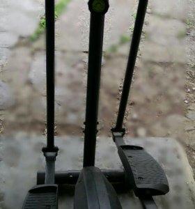 Эллептический тренажер лыжи