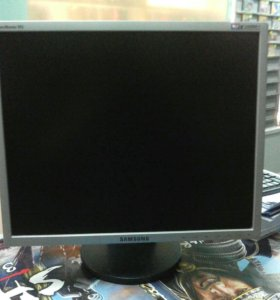 Монитор Samsung SyncMaster 943