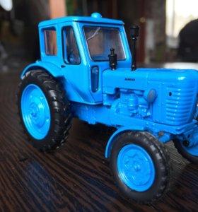 Трактор коллекционный