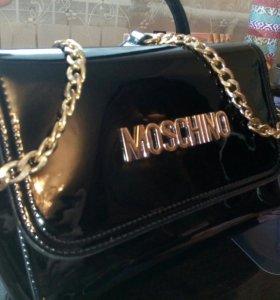 Клатч - сумка MOSCHINO