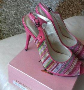 Новые туфельки р.35