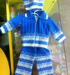 Детский вязанный костюмчик