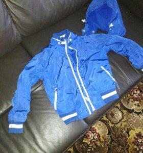 Куртка весна-осень 3-4 года.