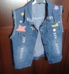 джинсовая безрукавка