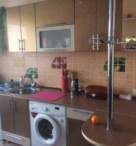 Кухонный гарнитур со столом и стульями