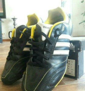 Бутсы 35 adidas +щитки