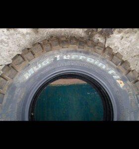 BFGoodrich mud terrain t/a km2 265/75 r16