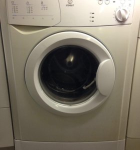 Indesit WIA 81 стиральная машина б/у с артикулом.