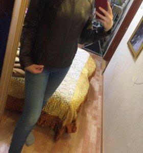 Кожаная куртка в идеальном состоянии