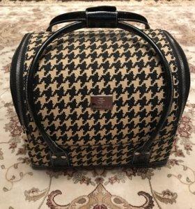 Сумка-чемодан для косметики