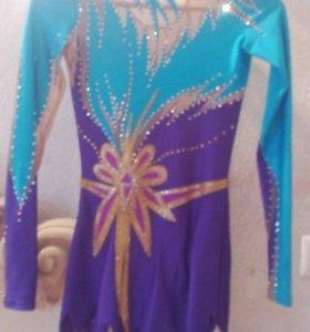 Гимнастический купальник (костюм для выступления)