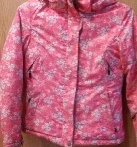Фирменная мембранная куртка для прогулок
