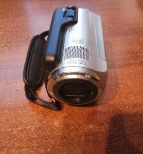 Видеокамера soni Handycam DSR-SR47