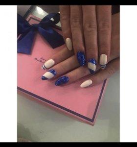 Наращивание ногтей белый русалка синии блесткт