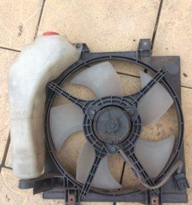 Вентилятор радиатора от Субару Легаси с бачком
