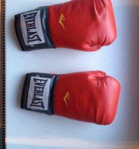 Боксерские перчатки everlast оригинал
