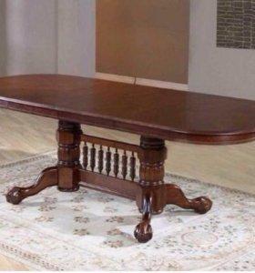 Большой красивый и мощный стол!