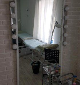 Зеркало гримерное с подсветкой