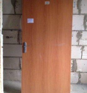 Дверь входная дерево коробка