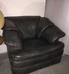 Диван не раскладной и 2 кресла