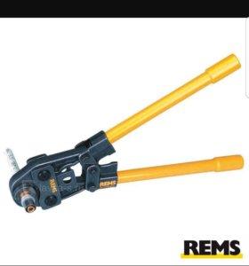 Пресс инструмент для металопластик-фитингов REMS