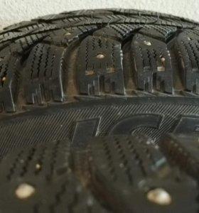 Резина Bridgestone 215/50 R17 (зимняя, Ice Cruiser