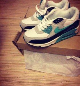 Продаю кроссовки Nike air max 90