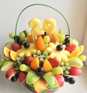 Подарок на день рождения - букет из фруктов
