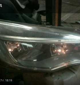 фара галоген Opel Astra J 5d правая