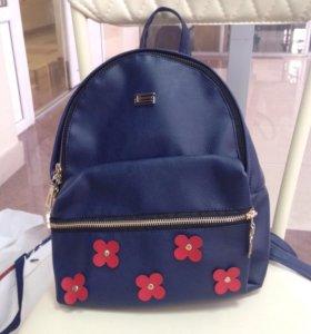 Рюкзак жёнский.
