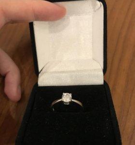 Кольцо серебряное с цирконом