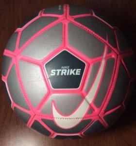 Мяч Nike Strike Premium