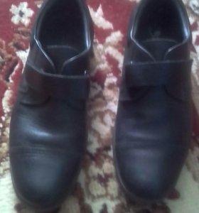 Туфли для мальчика 34р