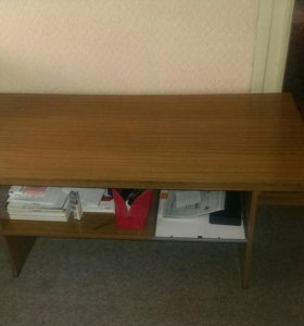 Журнальный столик,полировка.