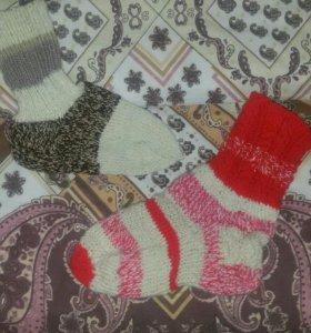 Вязанные вещи, вязанные носки, нитки для вязания
