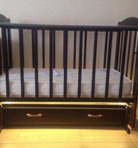 Кроватка с подсветкой и ортопедическим матрасом
