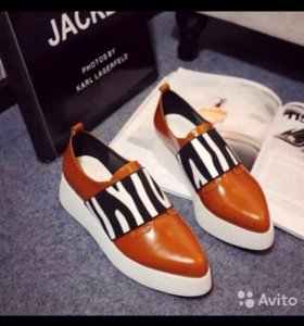 Обувь женская лоферы
