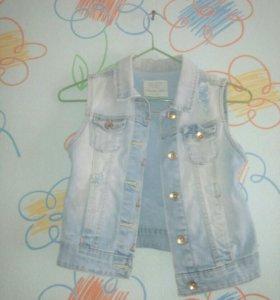 Модный джинсовый жилет для девочки 9-11 лет