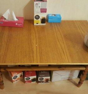Стол деревянный (небольшой)