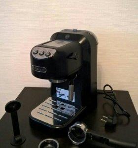 Кофеварка DeLonghi EC 250.B