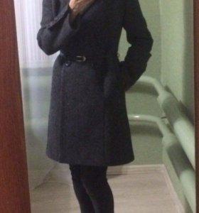 Пальто разм. 44