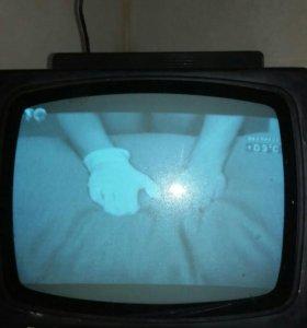 Телевизор б/у переносной