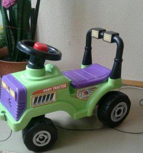 Машинка-трактор