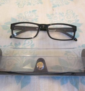 Продам или обмен очки для чтения (+0.75 обе линзы)