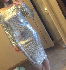 Платье с пайетками на подкладке